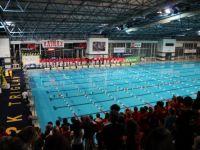 Je plavanje še poceni šport?